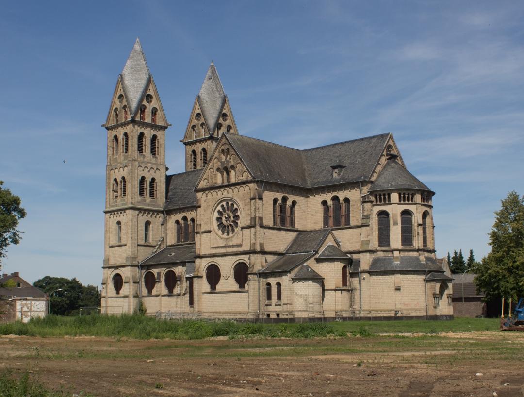 Immerath_sankt_lambertuskirche_cropped.jpg